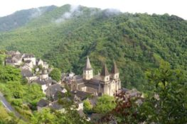 France cycling holidays: Conques bike tour
