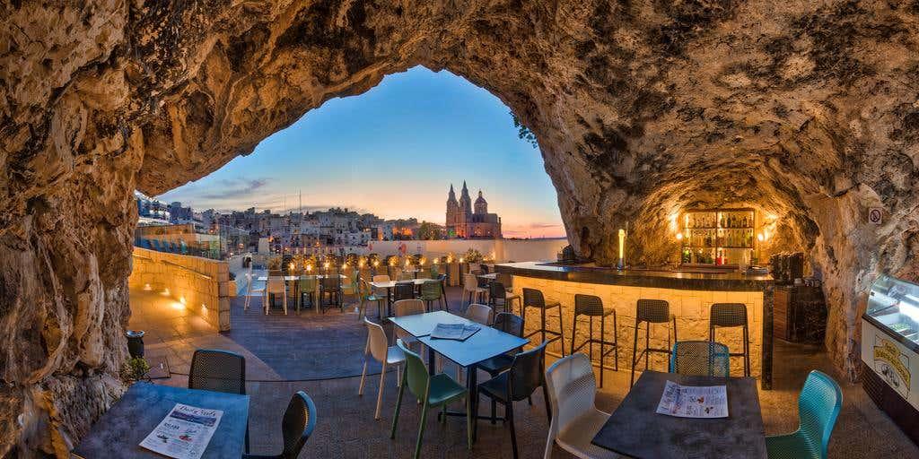 Pergola Hotel and Spa in Mellieha, Malta 5